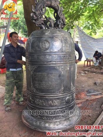 Đúc chuông đồng cao 2m2 đường kính miệng 1m08 - nặng 1100kg tại Nghi Lộc - Nghệ An