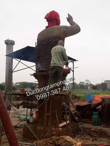 Sửa đúc tượng Bác Hồ bằng đồng cao 4m cho điện lực Hà Nội