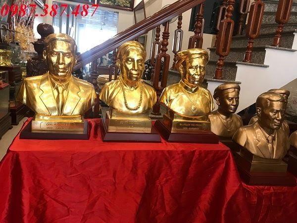 Bàn giao 9 pho tượng chân dung cao 48cm cho khách Hải Phòng