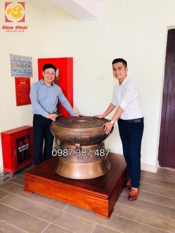 Bàn giao Trống đồng đường kính 80cm đồng đỏ giả cổ cho  Uỷ ban nhân dân TP Hà Nội
