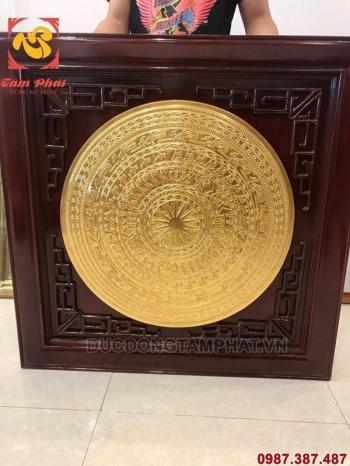 Tranh mặt trống đồng khung gỗ đường kính 70cm thếp vàng 9999