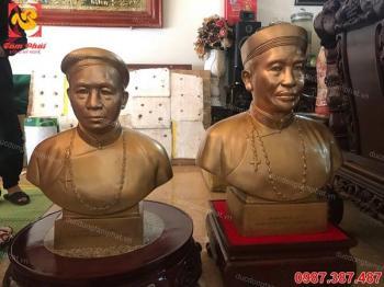 Đúc 2 pho chân dung, tượng truyền thần cao 63cm nặng 80kg cho bên Công giáo.!!