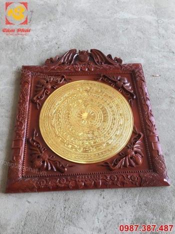 Mặt trống đồng thếp vàng 9999 tinh xảo khung gỗ gụ giá ưu đãi