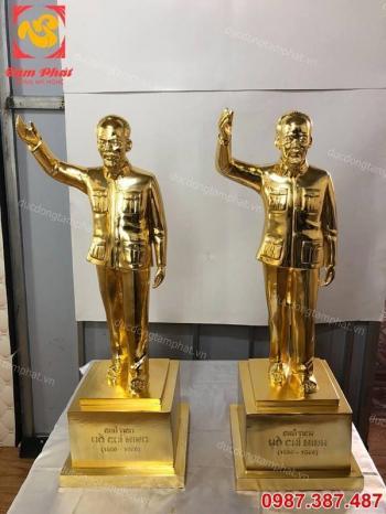 Tượng Bác Hồ vẫy tay chào cao 70cm mạ vàng 24k đẹp, thần thái.!!