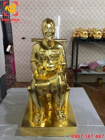 Tượng Bác Hồ Ngồi đọc báo cao 60cm đồng đỏ mạ vàng 24k cực đẹp.!!