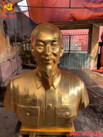 Tượng Bác Hồ bằng đồng bán thân cao 1m1 mạ vàng 24k