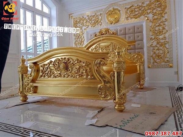 Thếp vàng 9999 giường ngủ cho biệt thự đẳng cấp..!