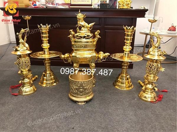 Bộ đồ thờ bằng đồng cao 75cm mạ vàng 24k đúc theo làng nghề Phước Kiều