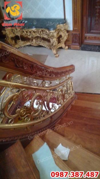 Đúc lan can cầu thang bằng đồng hoa văn tinh xảo cho biệt thự giá xưởng..!
