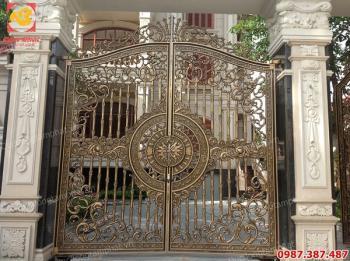 Những mẫu cổng biệt thự bằng đồng được ưa chuộng nhất hiện nay..!