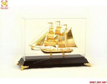 Mô hình thuyền buồm - đồ đồng quà tặng mang ý nghĩa may mắn