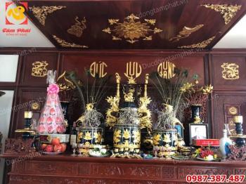 Thi công thếp vàng 9999 trên chất liệu gốm sứ cho khách hàng tại nơi..!