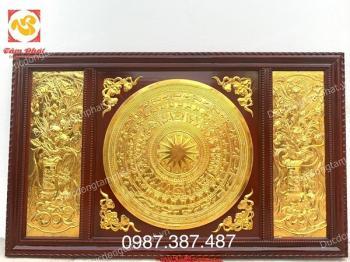 Mặt trống đồng hoa sen khung gỗ gụ kích thước 1m07 x 1m77 mạ vàng 24k đẹp xuất sắc..!