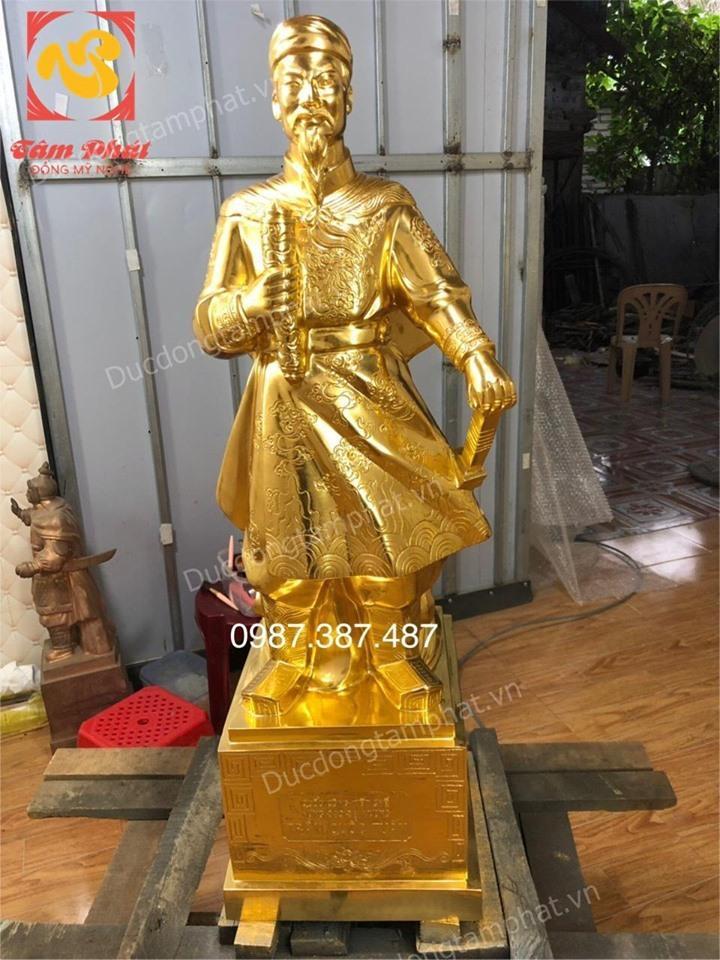 Tượng Trần Quốc Tuấn, Đức Thánh Trần Hưng Đạo cao 90cm thếp vàng 9999