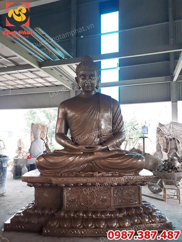 Đúc tượng Phật Thích Ca cao 3m nặng 5 tấn bằng đồng đẹp nhất hiện nay