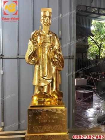 Tượng Nguyễn Trãi bằng đồng dát vàng cao 70cm.!