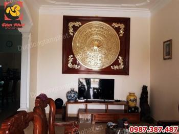 Mặt trống đồng đường kính 1m5 khung gỗ gụ 2m1 tuyệt đẹp giao cho khách Thái Bình