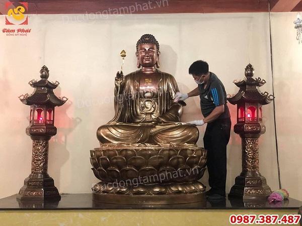 Thi công lắp đặt tượng Phật Adida cao 2m cho chùa thành công viên mãn