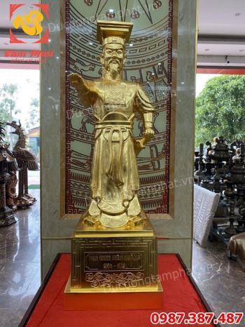 Tượng Vua Đinh Tiên Hoàng bằng đồng dát vàng 9999 cao 90cm tuyệt đẹp