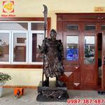 Tượng Quan Vân Trường bằng đồng cao 2m4 nặng 800kg bàn giao cho khách