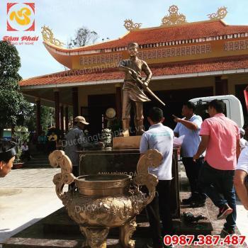 Đúc tượng đồng Nguyễn Trung Trực cao 2m tại đền Nguyễn Trung Trực - Phú Quốc.!