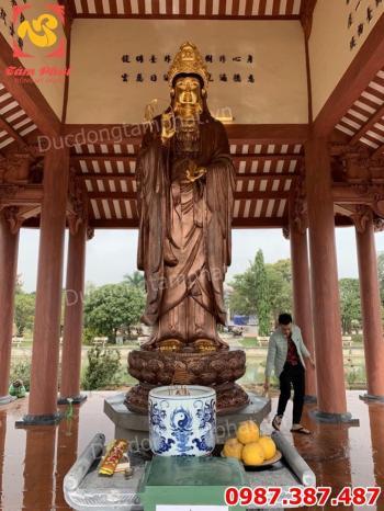 Lắp đặt tượng Quan Âm bồ tát bằng đồng cao 3m nặng 1500kg dát vàng điểm cho chùa.!