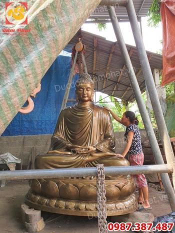 Đúc Tượng Phật Thích Ca Mâu Ni bằng đồng cao 2m ngồi đài sen nặng 1,7 tấn