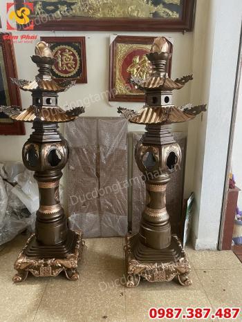 Đôi đèn thờ bằng đồng đỏ phớt nỉ cao 1m8 nặng 300kg.!