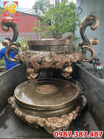 Đúc và lắp đặt lư hương đồng cao 1m8 đường kính miệng 80cm nặng 410kg cho chùa Đống Cao