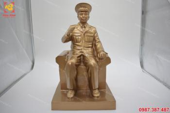 Tượng Võ Nguyên Giáp, tượng đồng Võ Nguyên Giáp cao 50 cm